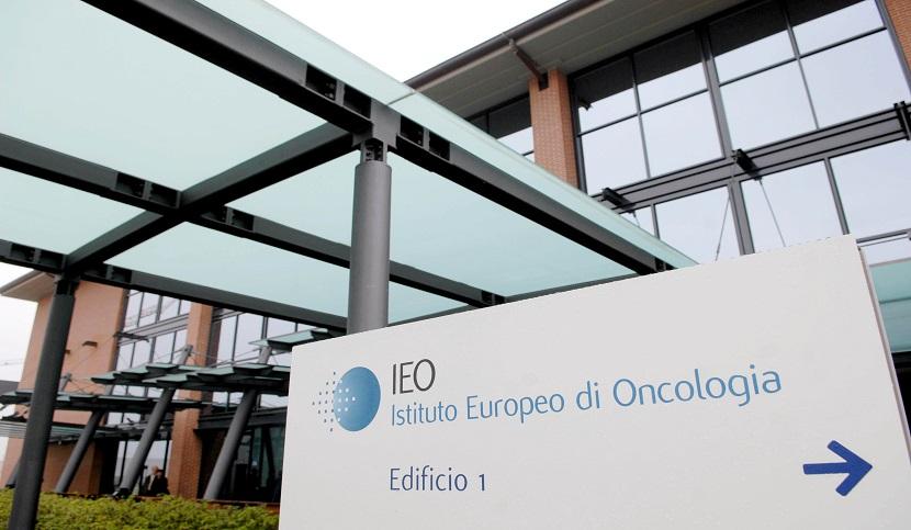 28a9b91e9c30 Graziella Borroni, 74 anni, insegnante di inglese in pensione, è la donna  che per la prima volta è stata operata per un tumore al seno all'Istituto  Europeo ...
